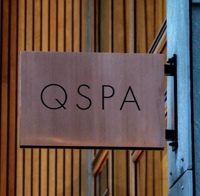 Skilt QSPA